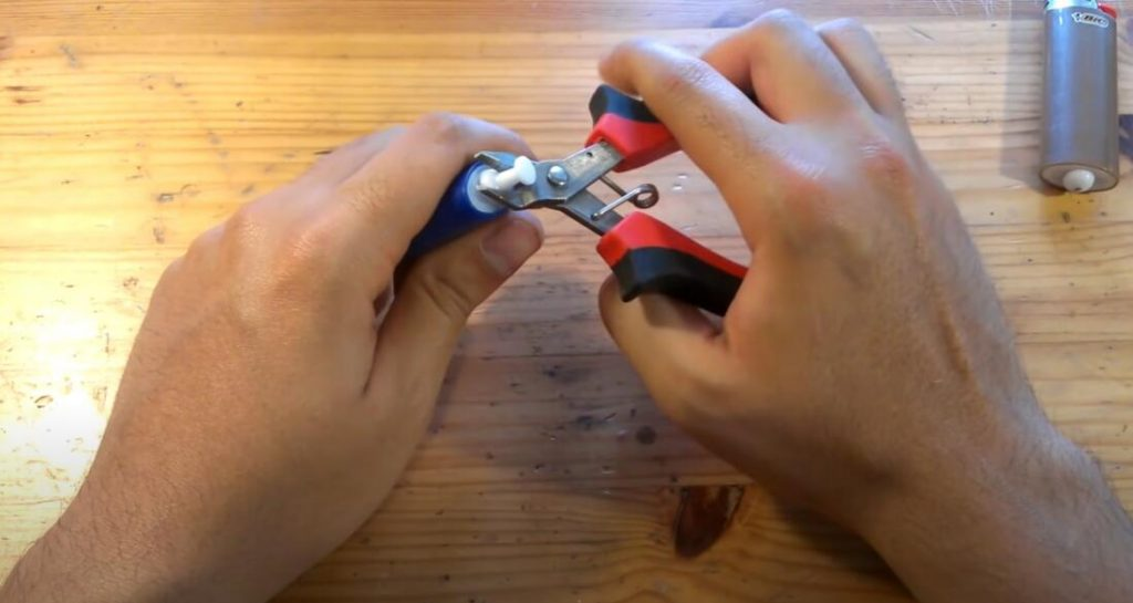 best-way-to-refilling-a-BIC-lighter